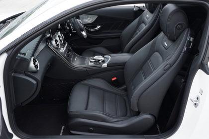 7 Tipps: Im Auto auf dem Beifahrersitz schlafen